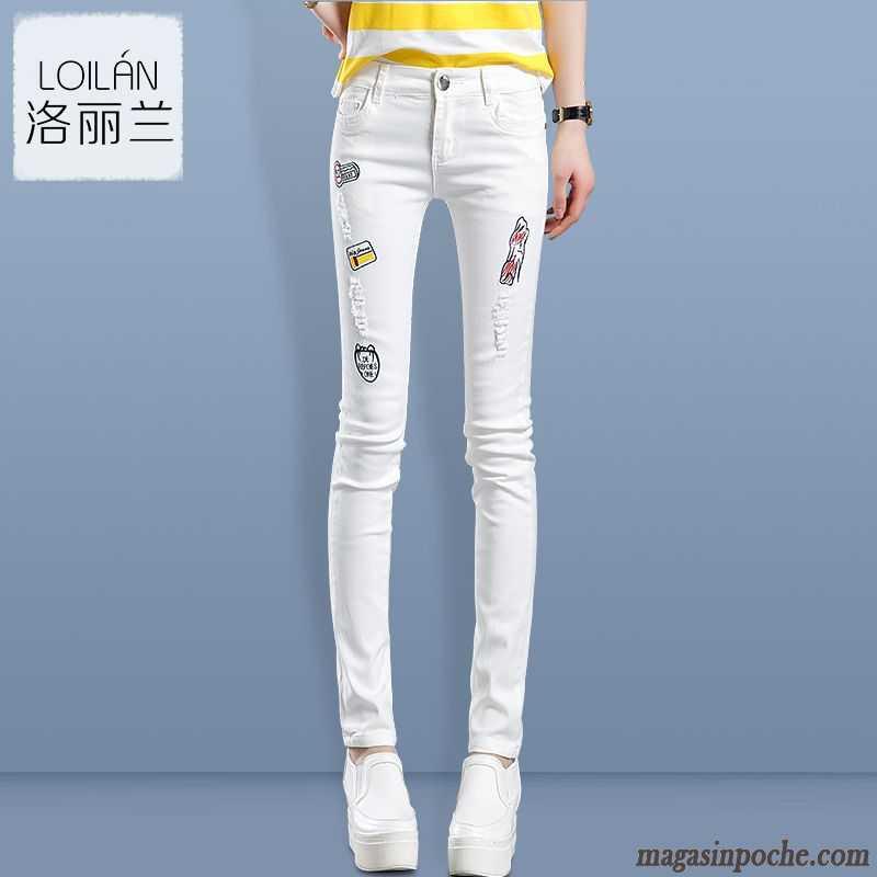 Jean Slim Bleu Clair Femme Tendance Extensible Femme Slim Moulant L automne  Dame Pantalon Printemps Des Trous Dans Les Jeans Blanc ... 17f8abcf109f