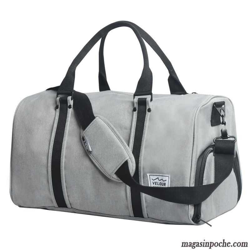sac de sport pour homme pas cher sacs sur magasin poche. Black Bedroom Furniture Sets. Home Design Ideas